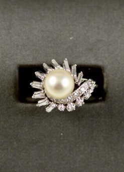 14k Leber Jeweler vintage pearl and diamond swirl ring