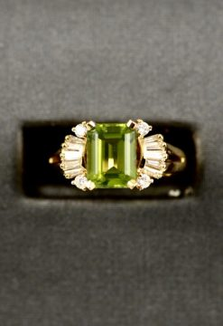 Vintage Leber Jeweler 2.48ct peridot and diamond ring