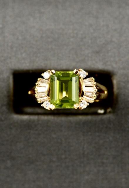 Vintage Leber Jeweler 2.48ct peridot and diamond ring