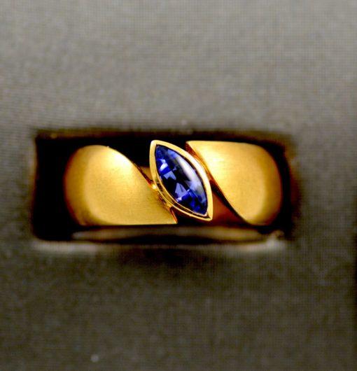 Leber Jeweler Siegfried Becker tanzanite solitaire ring